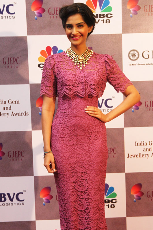 sonam-kapoor-new-images-for-free-6342